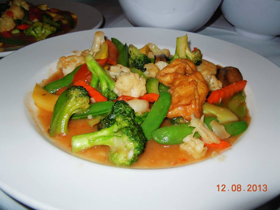 The vegetable stir-fry at The Crustacean