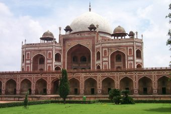 Top Places and Attractions to Visit in Delhi
