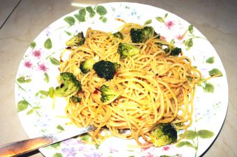 A Quick n Easy Recipe for Aglio Olio Spaghetti
