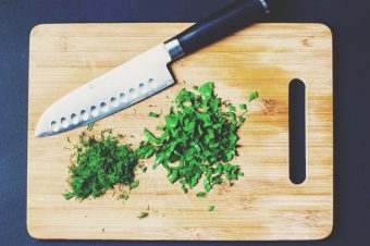 What's the Difference Between Santoku Knives and Traditional Chef's Knives?